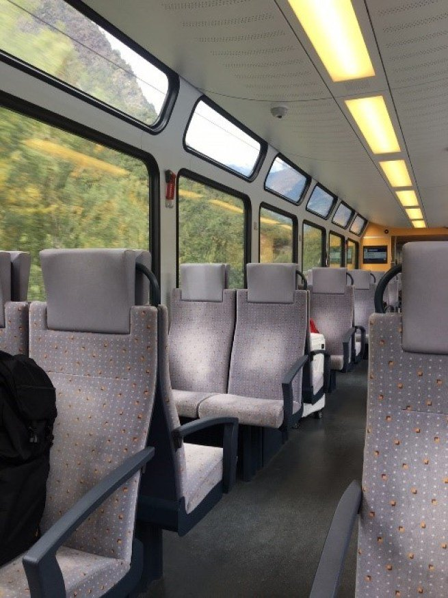 二等艙是1排有4個位子,一等艙就是一排有3個位子。圖文來自於:TripPlus