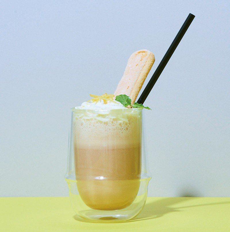 Cheese Cream Tea¥540/以康提紅茶特製的飲品,宛如「用喝的起司...