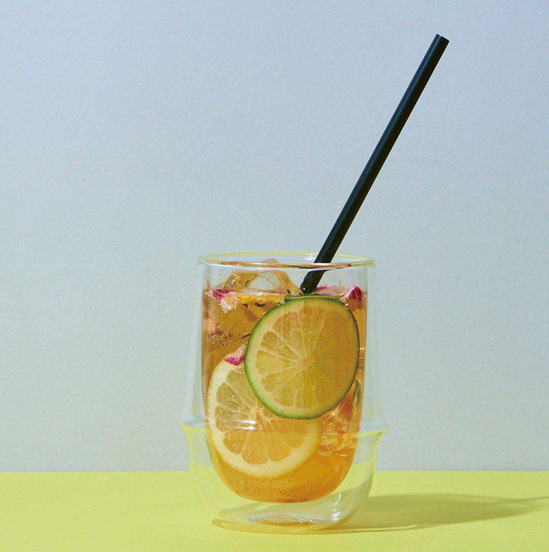 Bubbly Lemon¥486/努瓦拉埃利亞紅茶加入碳酸,打造出嶄新的蘇打茶飲...