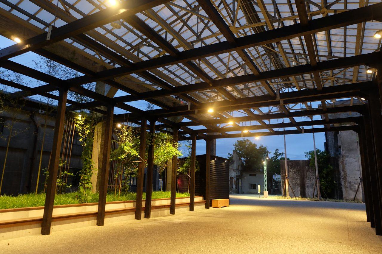 宜蘭中興文創園區今年中試營運,前區作為文化展演和培植文創之用,後方倉庫群則被知名...