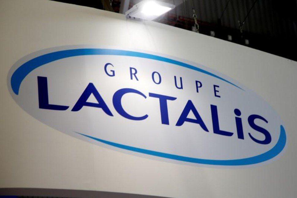由於法國有26名兒童疑因飲用法國嬰兒奶粉製造商拉克塔利斯公司的產品而生病,公司與...