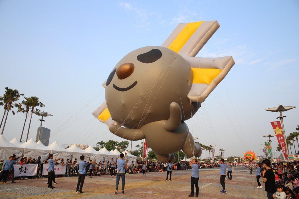 OPEN!大氣球遊行,在高雄邁向第10年,12月16日活動當天,除了有25款卡通...