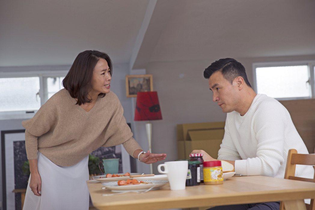柯淑勤(左)演出「第一次」。圖/KKTV提供