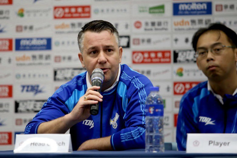 來自英國的「神奇教頭」懷特,正在顛覆台灣傳統的足球思維,為台灣足球帶來質變。 圖...