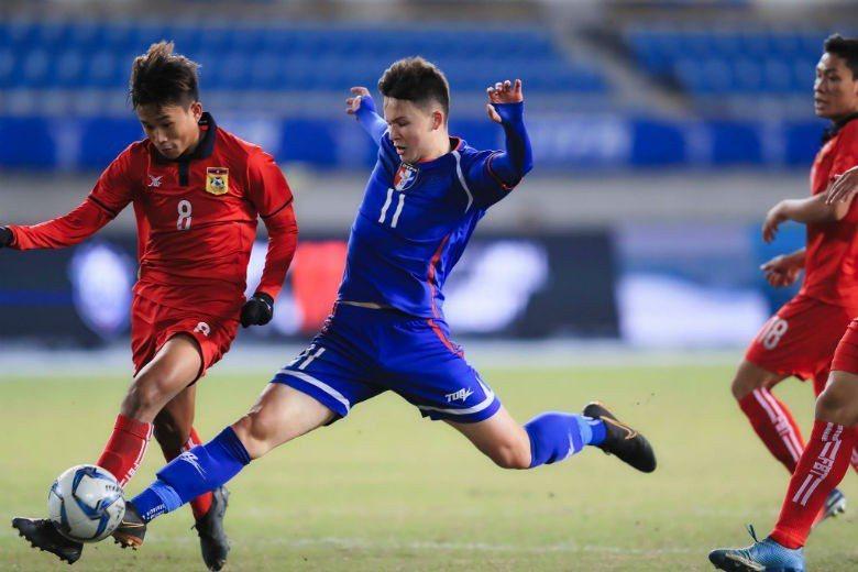 圖左為現年16歲小將沈子貴(Will Donkin)。 圖/取自中華民國足球協會...