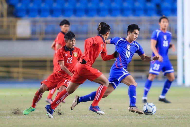 圖右為陳浩瑋。 圖/取自中華民國足球協會CTFA