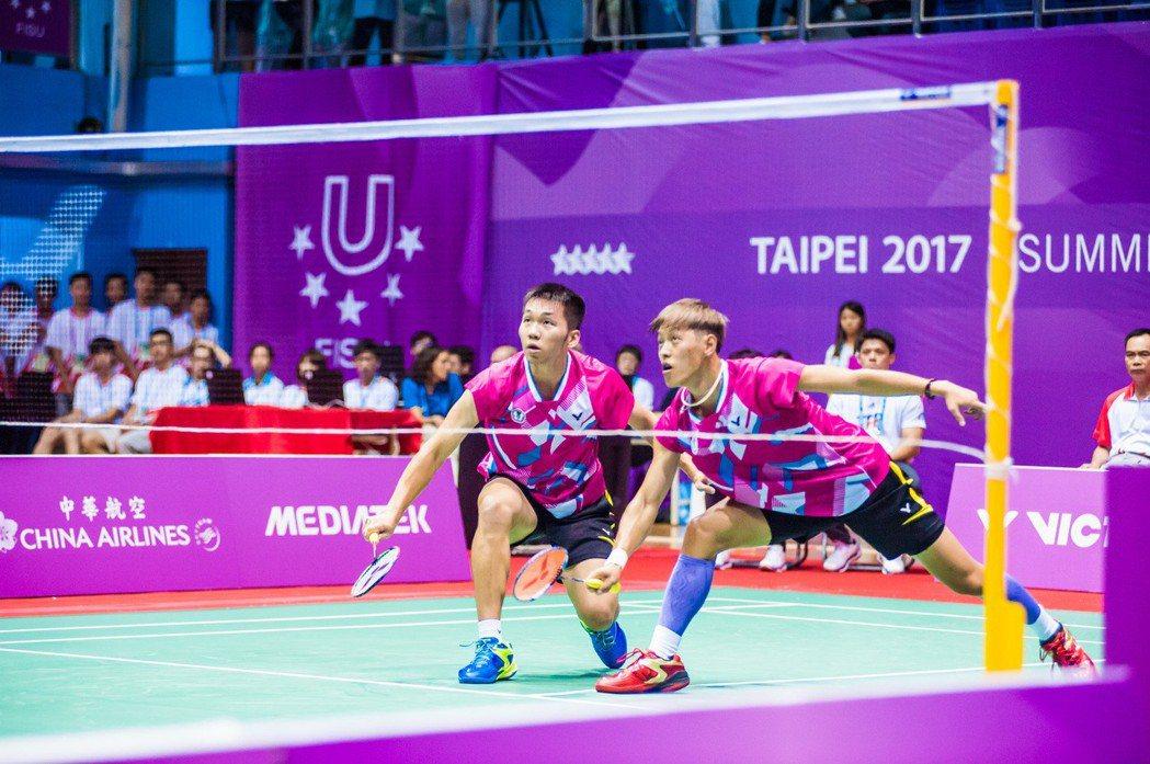 蹲得越低才能跳得越高,李哲輝(左)與李洋(右)期待能在生涯首次的年終賽有好表現。...
