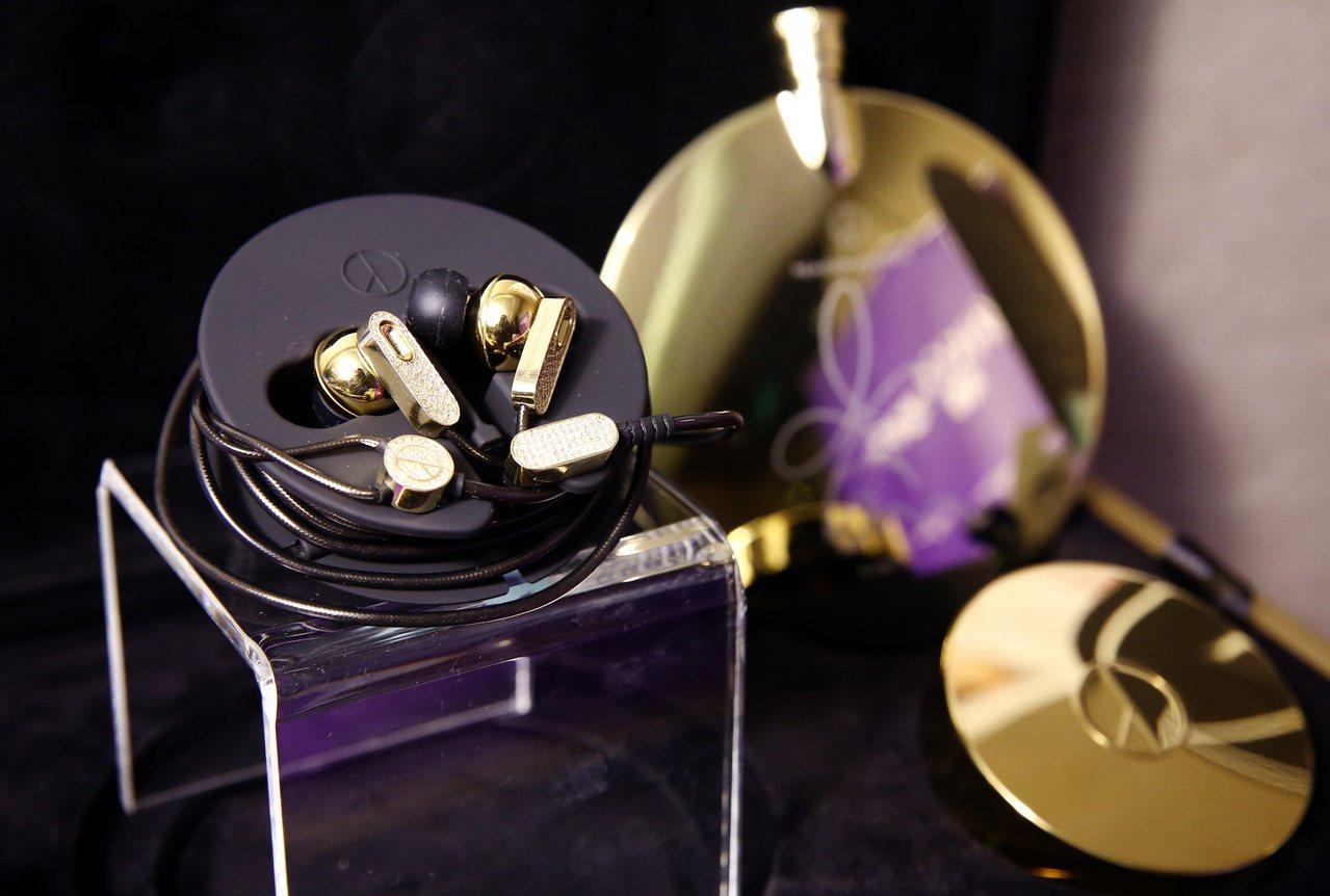 Yahoo奇摩購物中心獨家首賣全台限量的客製款GD自創潮牌鑲鑽耳機。圖/Yaho...