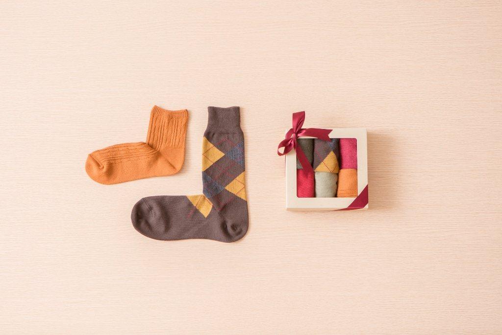 心意小禮也能選擇指定款直角襪,即日起至12月25日3雙享330元優惠價。圖/無印...