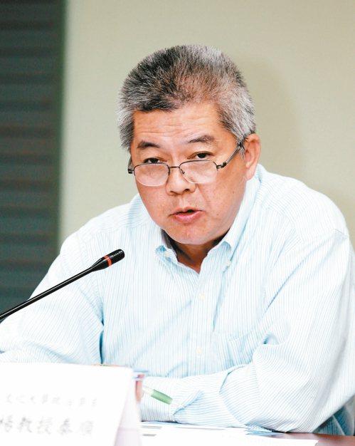 文化大學政治所教授楊泰順表示,推不動的法案可能敗部復活。 報系資料照