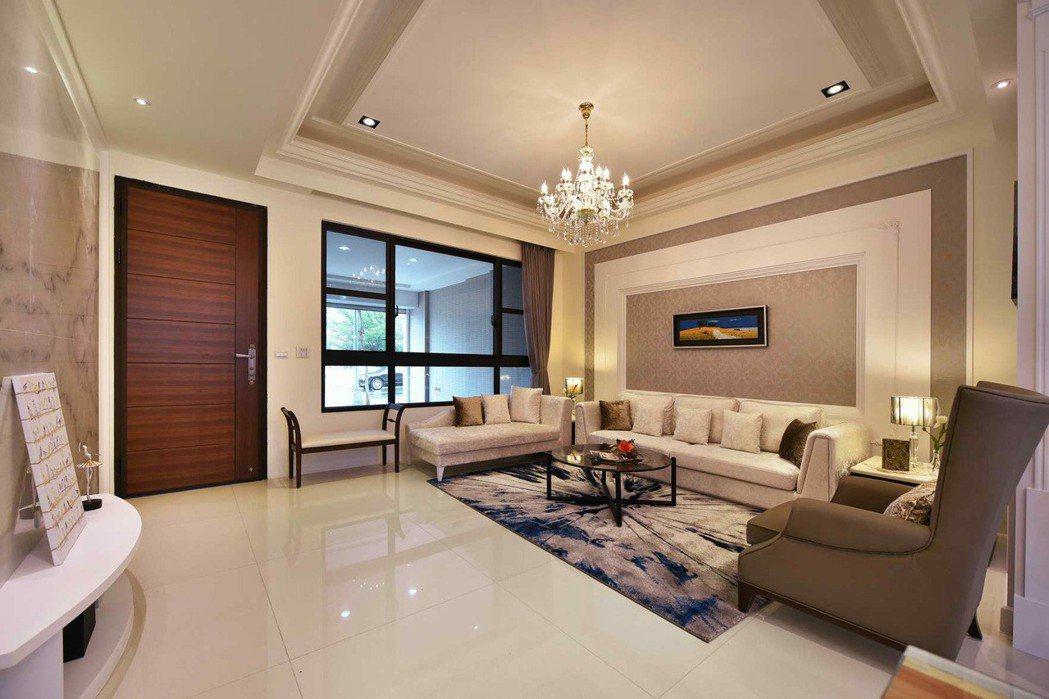 寬敞氣派客廳。 圖片提供/高京建設