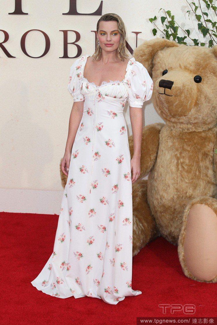 瑪格羅比向來愛穿復古洋裝。圖/達志影像