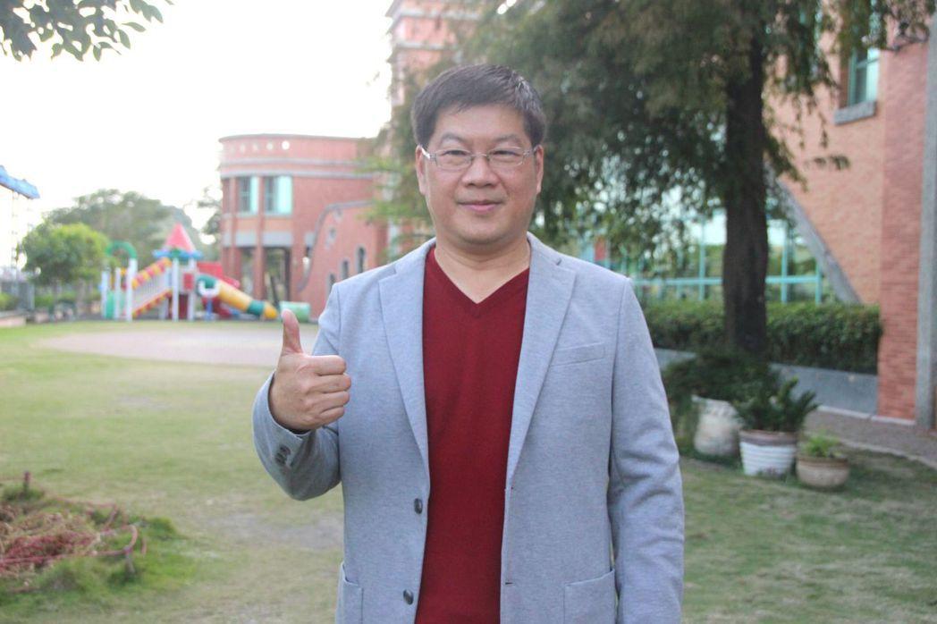 彰化縣「愛秀水說秀水」臉書版主黃明昌宣布參選秀水鄉長。 記者林敬家/攝影