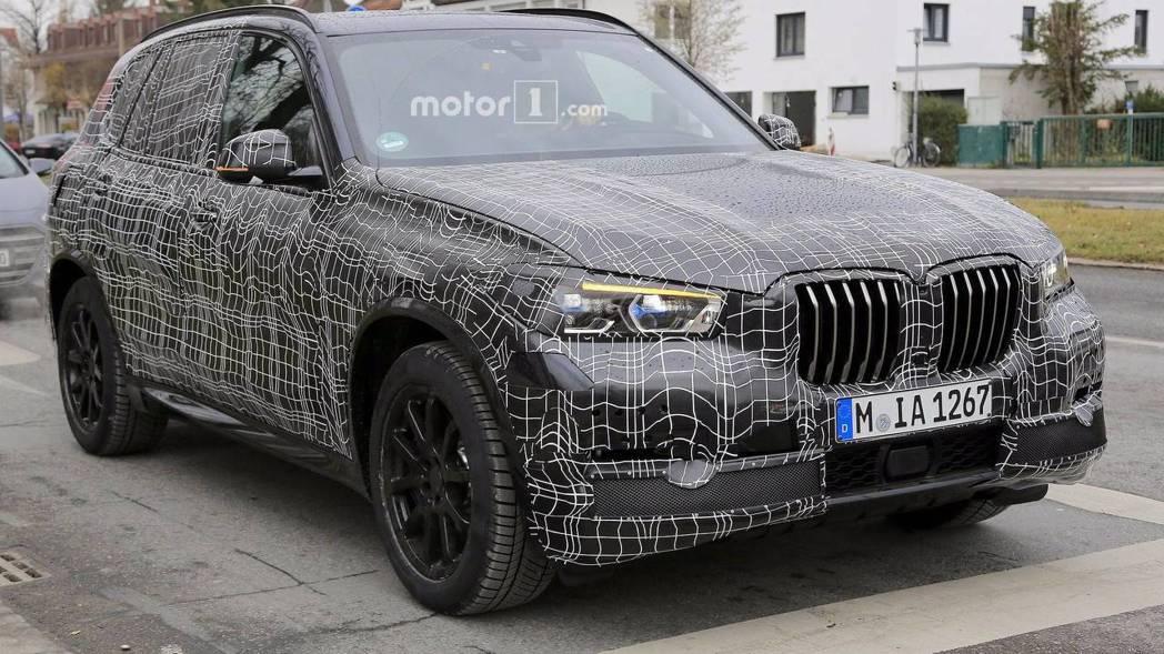 狗仔捕獲的新一代BMW X5測試車,外觀樣貌導入新X概念,打造視覺張力。 圖片來...