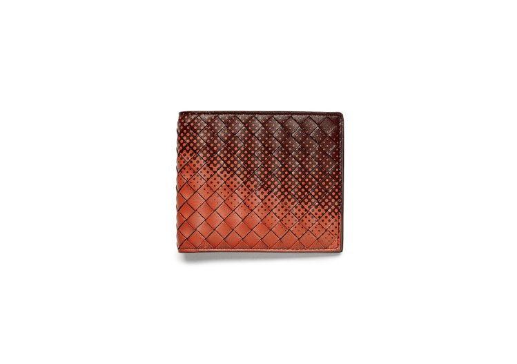 GALAXY編織小羊皮短夾,14,900元。圖/Bottega Veneta提供