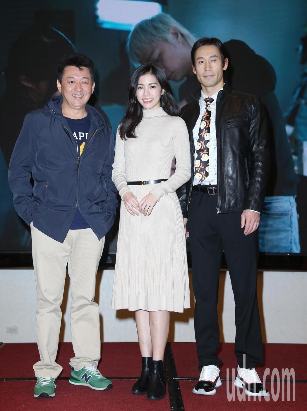電影「驚夢49天」殺青酒,演員劉國雄(右起)、任容萱、庹宗華一同出席。記者陳瑞源