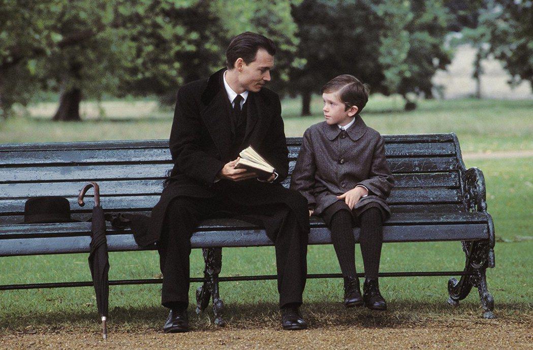 佛萊迪海摩爾童年時和強尼戴普在「尋找新樂園」有精彩對手戲。圖/摘自imdb