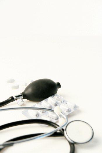 根據國民健康署102-104年國民營養健康狀況變遷調查指出,18歲以上的民眾,大...
