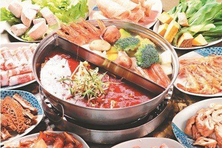 冬天吃麻辣鍋是一大享受 ,但麻辣鍋是屬於高刺激食物,應避免過量食用。 圖/ing...