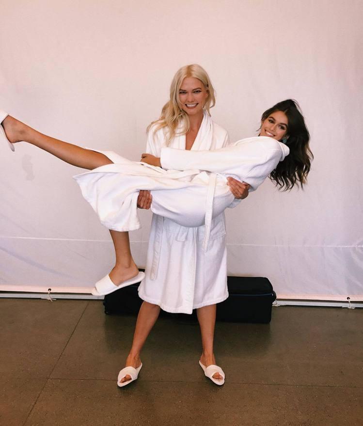 超模 Karlie Kloss、凱亞葛柏。圖/擷自instagram
