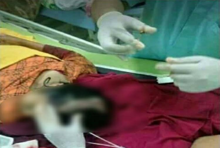 少女頭部遭撞後到醫院急救,所幸存活下來。圖擷自Kejadian Hari Ini