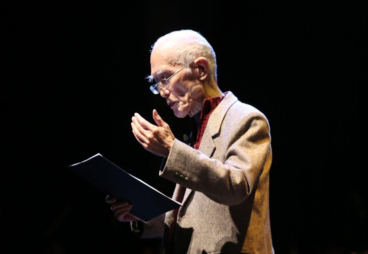 今年三月中山大學舉辦「詩情樂韻余光中」,由詩人余光中朗誦詩作。資料照片/記者徐如...