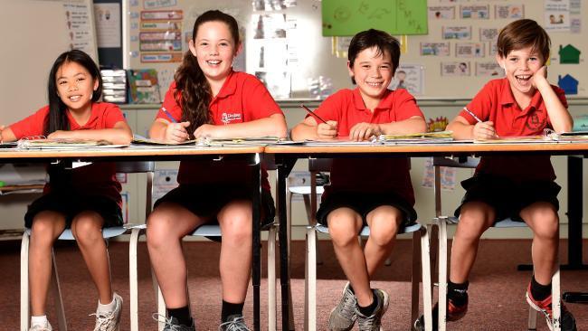 澳洲全國讀寫和計算能力考試(NAPLAN)中,3年級學生只要答對1題就可以通過,...