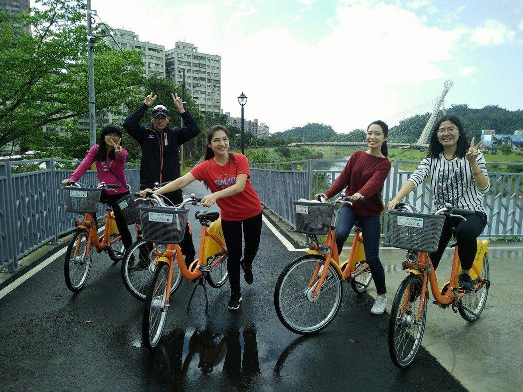 基隆河汐止段有近十公里長的自行車道,有星光橋、水尾灣,城中公園等,是三五好友約騎...