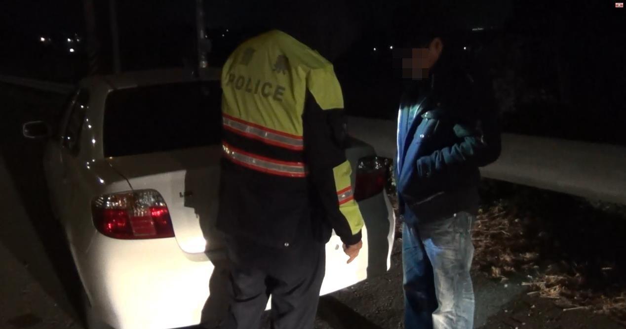 警方在江姓男子車上查獲毒品K他命。記者謝恩得/翻攝