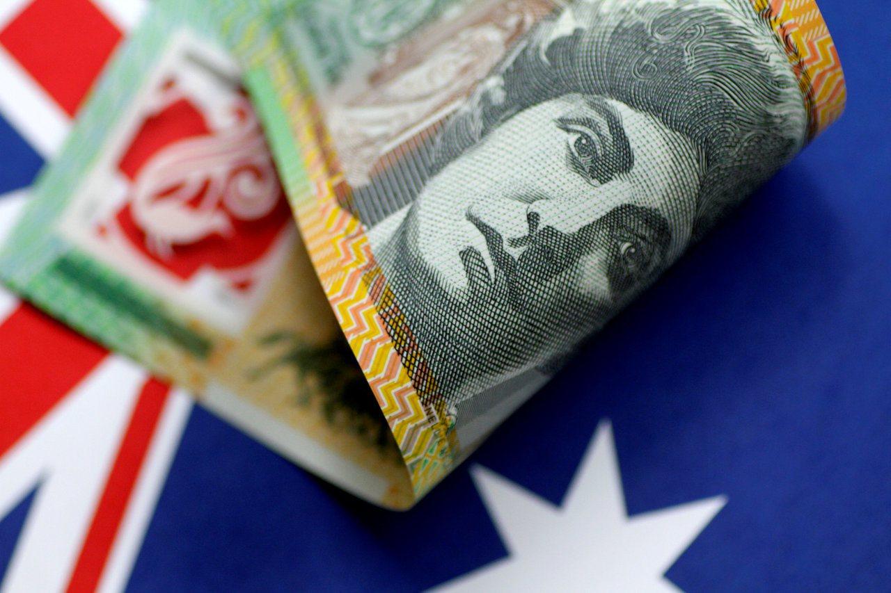 澳幣匯率受失業率穩定激勵,升上一個月來高點。(路透)