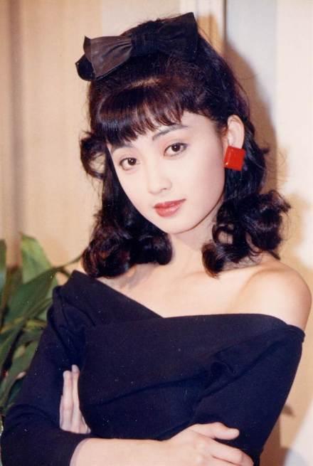 倪詩蓓年輕時外型嬌俏可愛,經常演出富家千金。圖/摘自微博