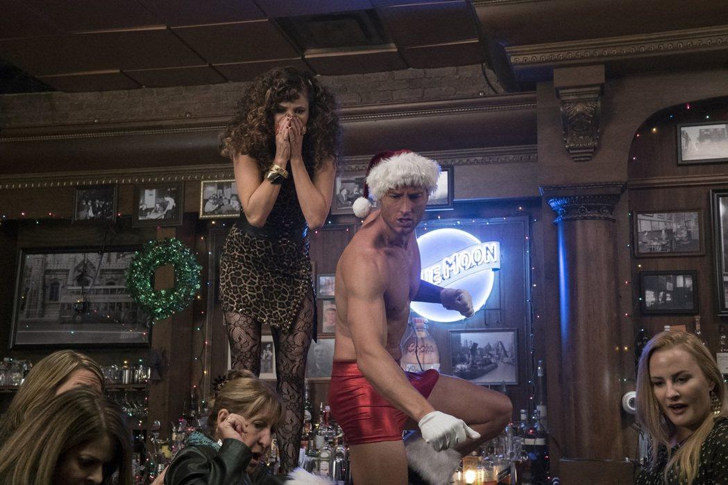 性感男星賈斯汀哈特雷在「阿姊響叮噹」中扮演脫衣舞男。圖/CATCHPLAY提供