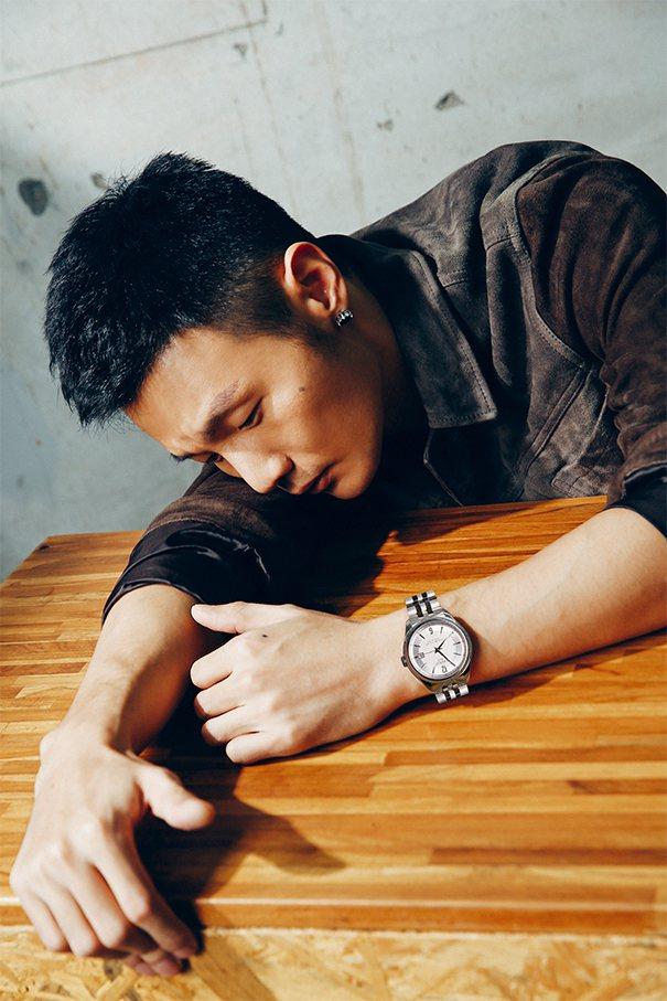 李榮浩接受雜誌專訪。圖/MILK潮流誌提供