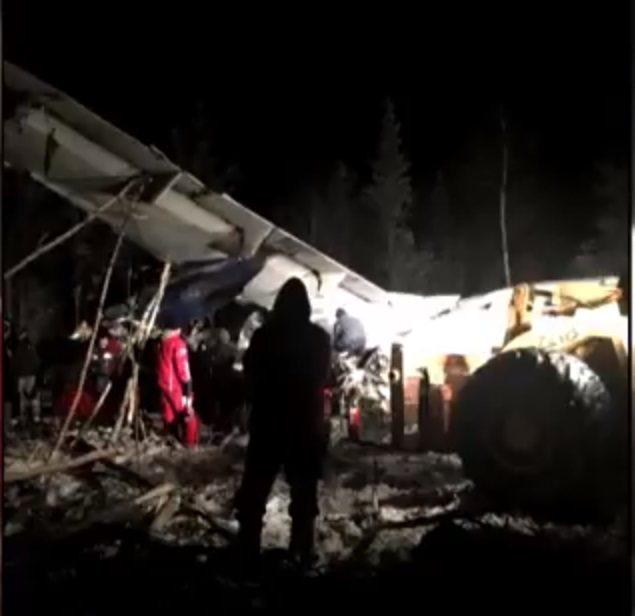 加拿大西風航空13日墜機,所幸全機人員幸運生還。截自加拿大廣播公司新聞畫面