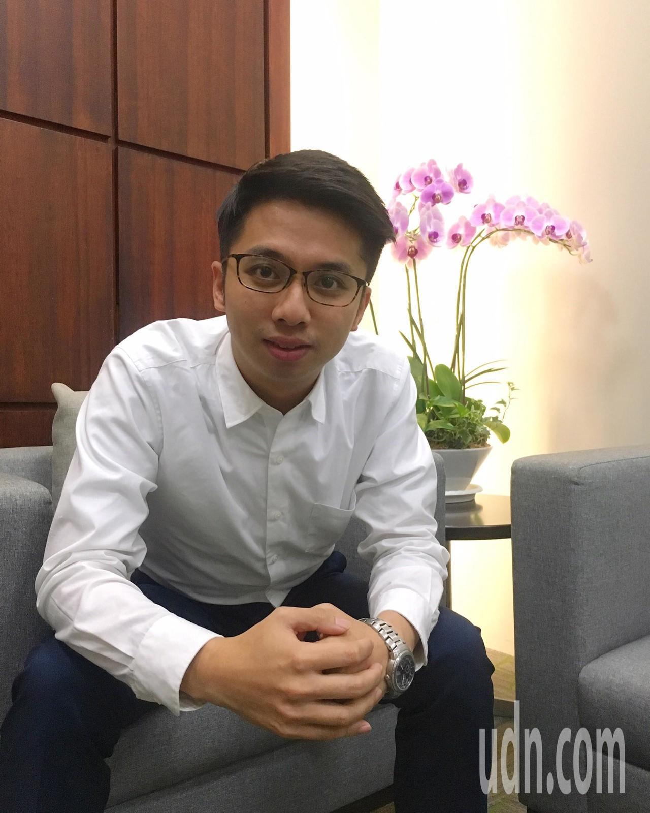 新竹市政府最年輕的重要主管、市長辦公室主任劉康彥才29歲。記者林家琛/攝影