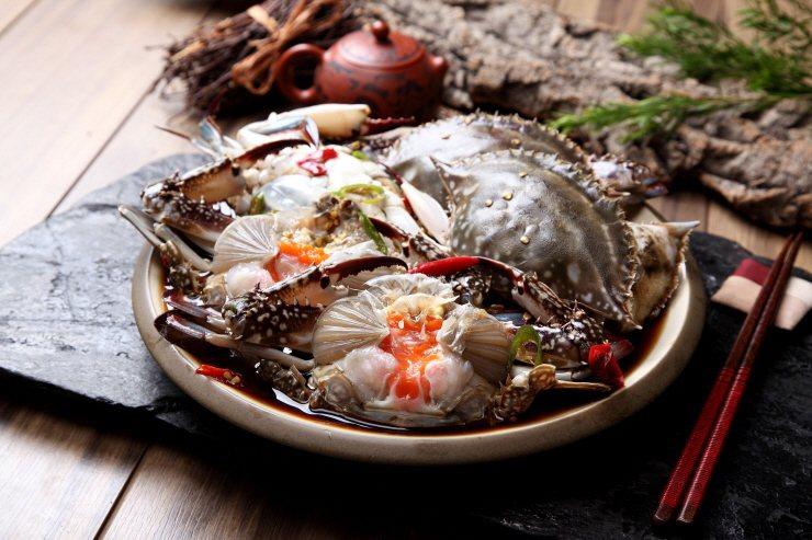 醬油醃螃蟹100g 250元。圖/新光三越提供