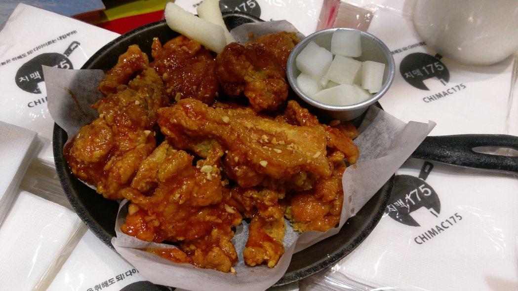 Chimac 175炸雞(中)150元、(大)280元。記者江佩君/攝影