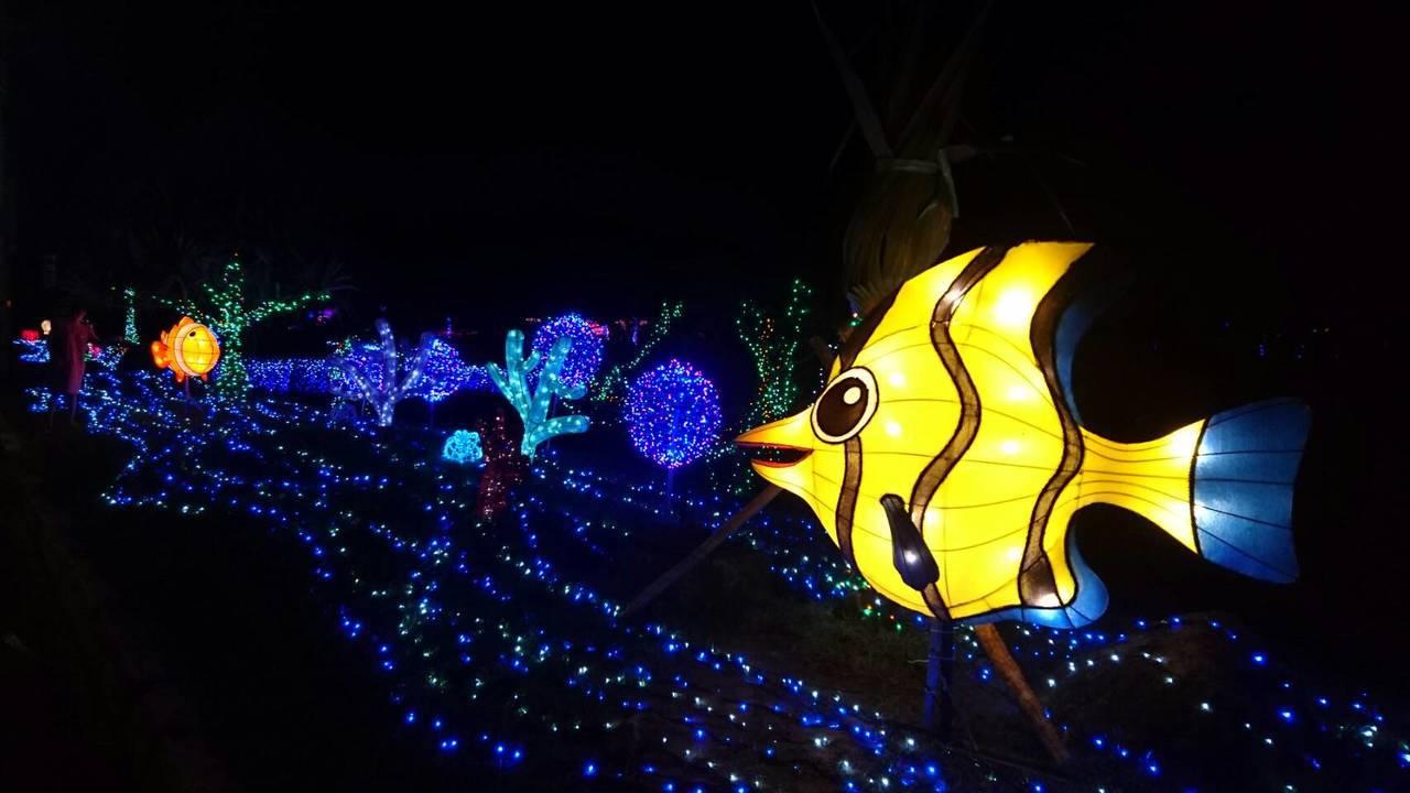 福隆十多處光雕創意燈區今晚點亮。圖/東北角暨宜蘭海岸國家風景區管理處提供