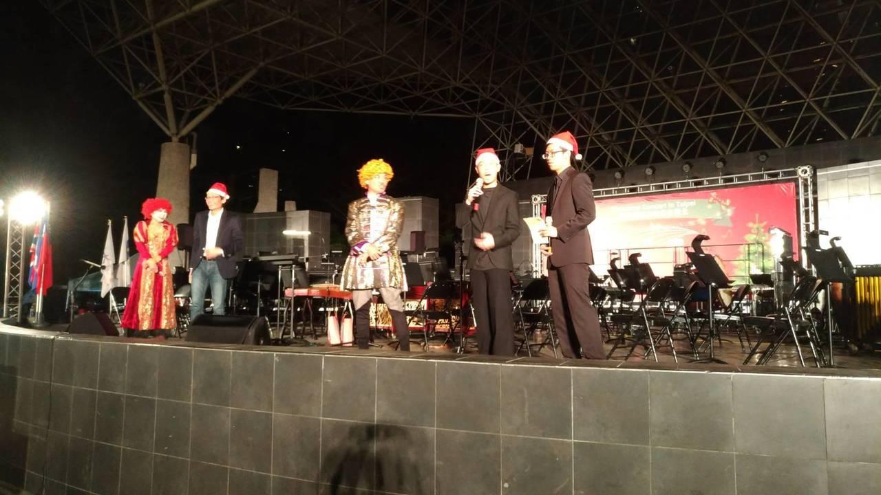 北市大安區公所今晚在大安森林公園露天音樂台舉辦歐風聖誕音樂會。記者楊正海/攝影