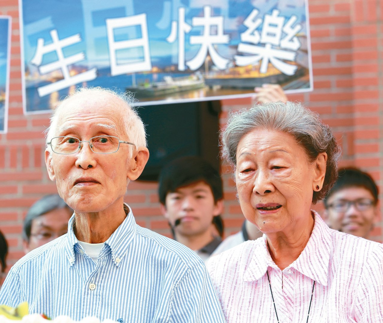 中山大學日前先慶祝余光中(左)九十大壽,太太范我存(右)全程陪同。 本報資料照片