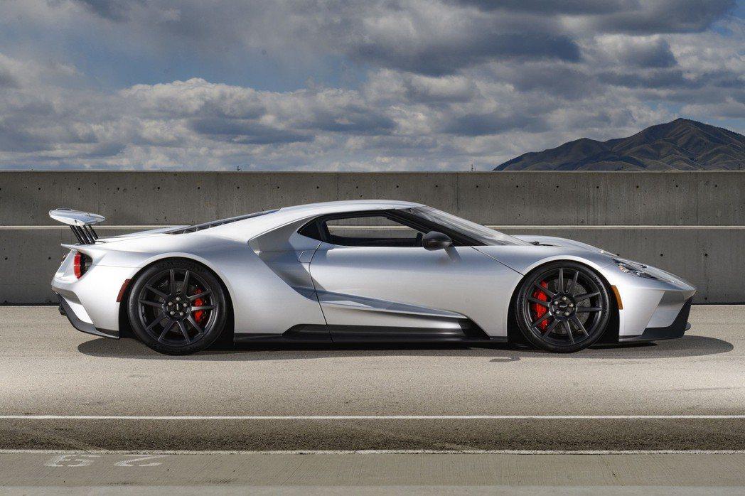 Ford GT專為賽道設計 搭載3.5升V6 EcoBoost®雙渦輪增壓引擎 ...