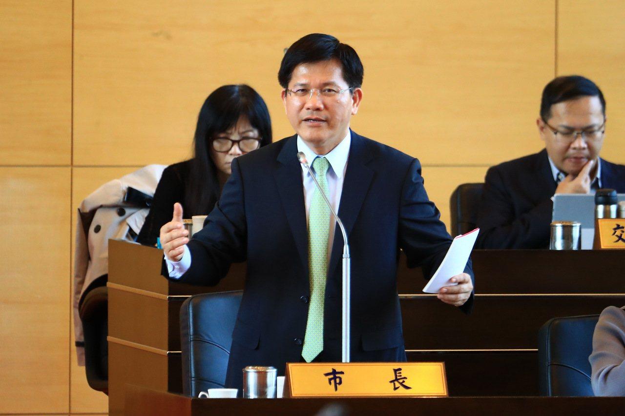 外傳台中市長林佳龍與行政院長賴清德有瑜亮情結,林佳龍今下午在議會備詢說,應該說「...