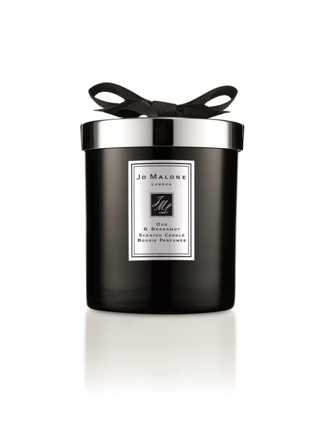 Jo Malone烏木與佛手柑蠟燭,200g售價3,800元。圖/Jo Malo...
