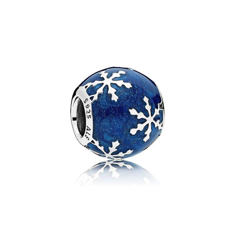 冬日之樂925銀琺瑯串飾,1,980元。圖/PANDORA提供