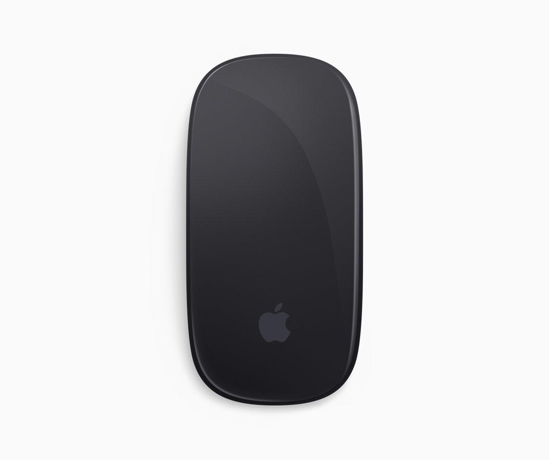 連包裝盒內附的Magic Mouse 2都是太空灰色。圖/蘋果提供