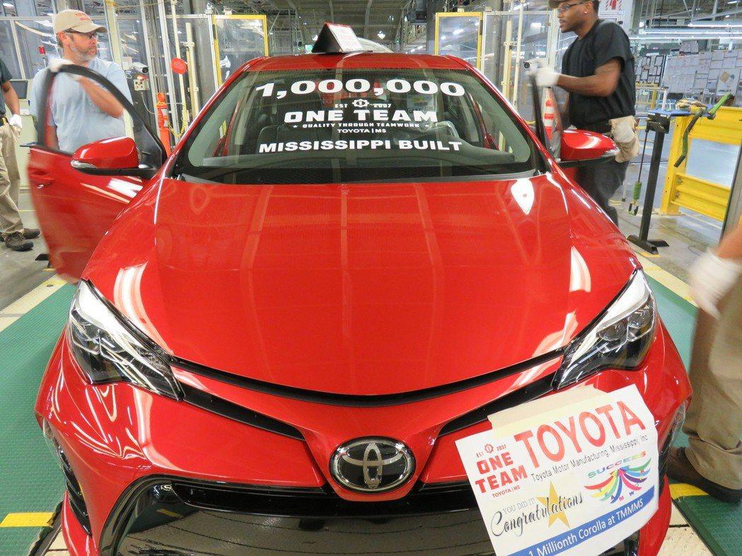 第一百萬輛Corolla是紅色的。 摘自Toyota