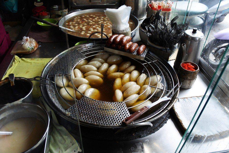 油炸過後的肉圓,口感變得更加Q彈。(圖片提供/澤澤稱奇‧小澤)