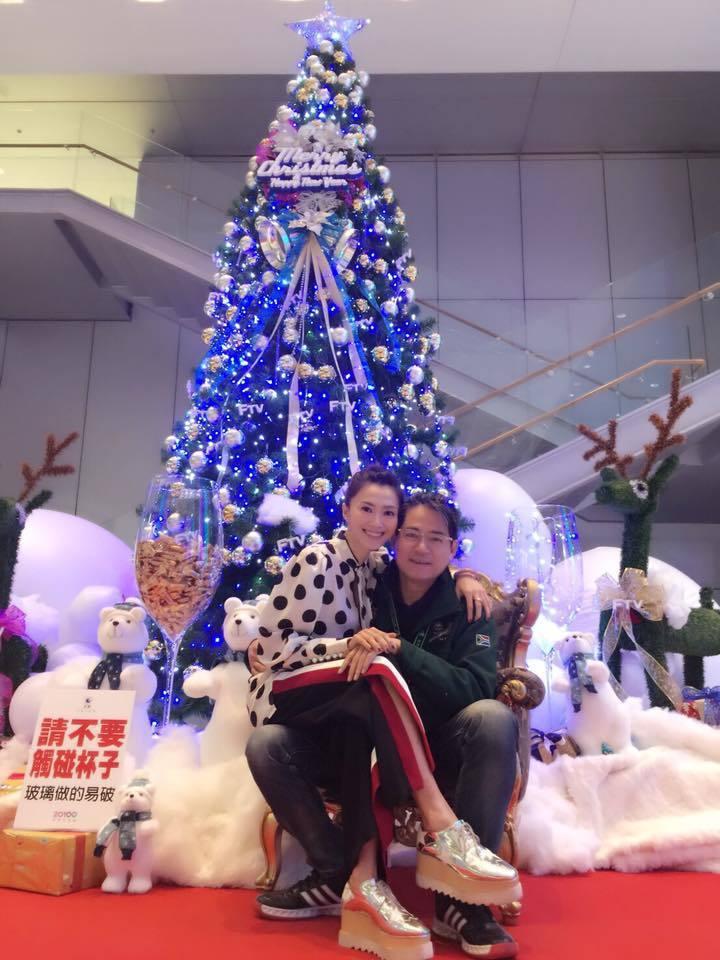 蕭大陸(右)與侯怡君幸福合照。圖/摘自侯怡君臉書
