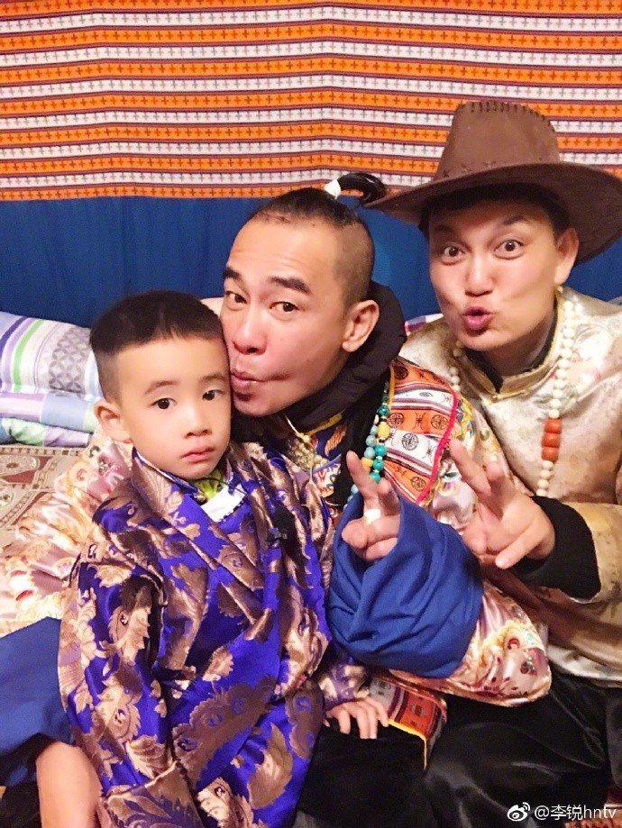 李銳(右)在「爸爸去哪兒」擔任要角。圖/摘自微博