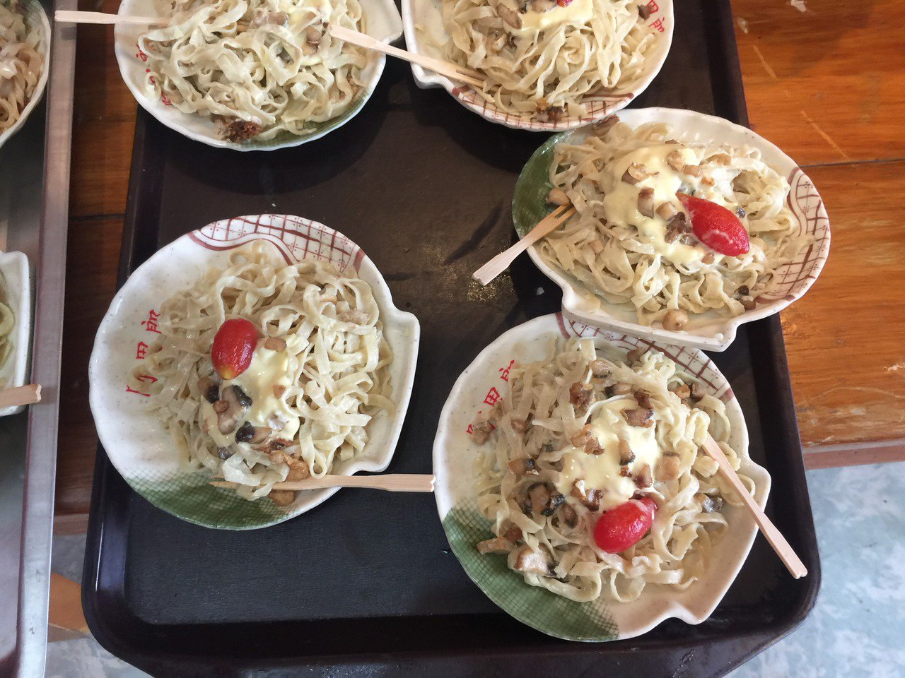 意麵法式料理吃法。記者吳政修/攝影